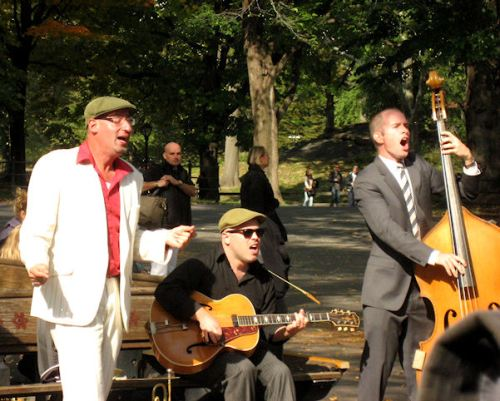 Photo of a lively band in Central Park taken by Joana Miranda