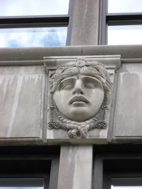 Photo of gargoyle on Central Park West building, taken by Joana Miranda
