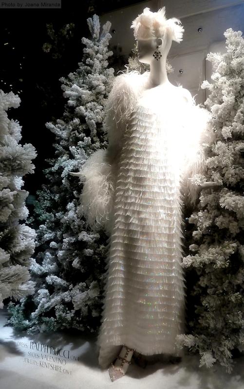 Snow lady in fringe dress