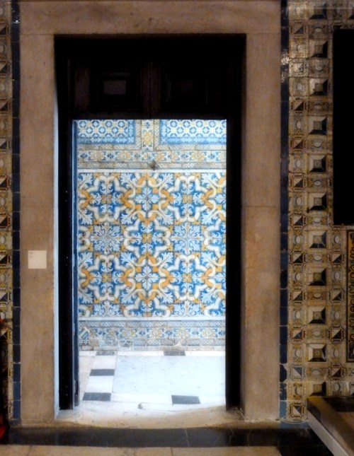 tiled entry way in Sao Roque church
