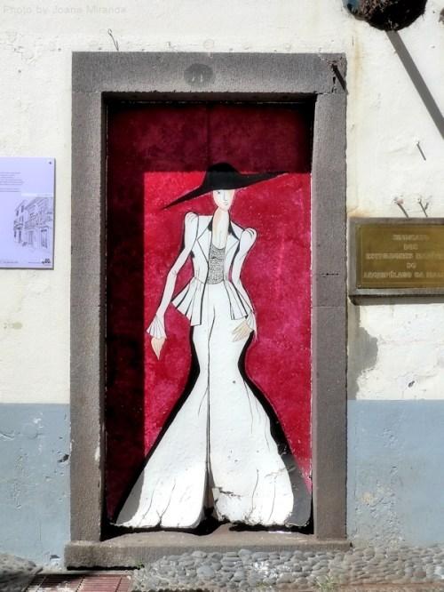 Fashion door