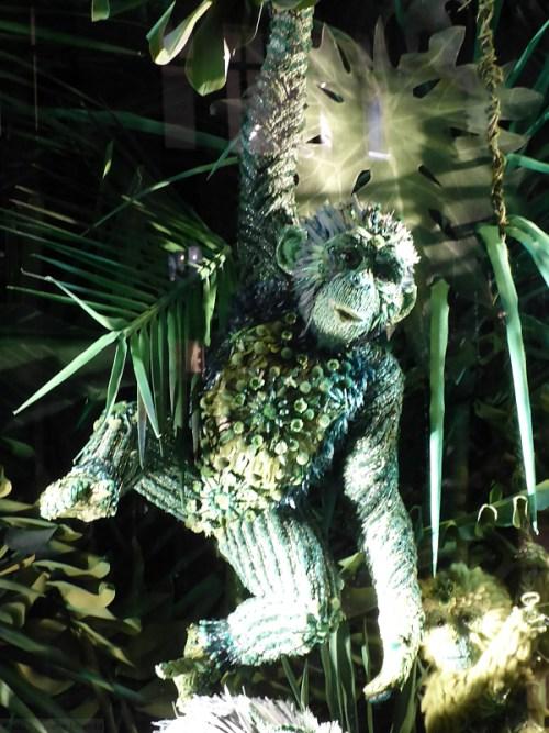 monkey-detail-from-2016-bergdorf-goodman-holiday-window