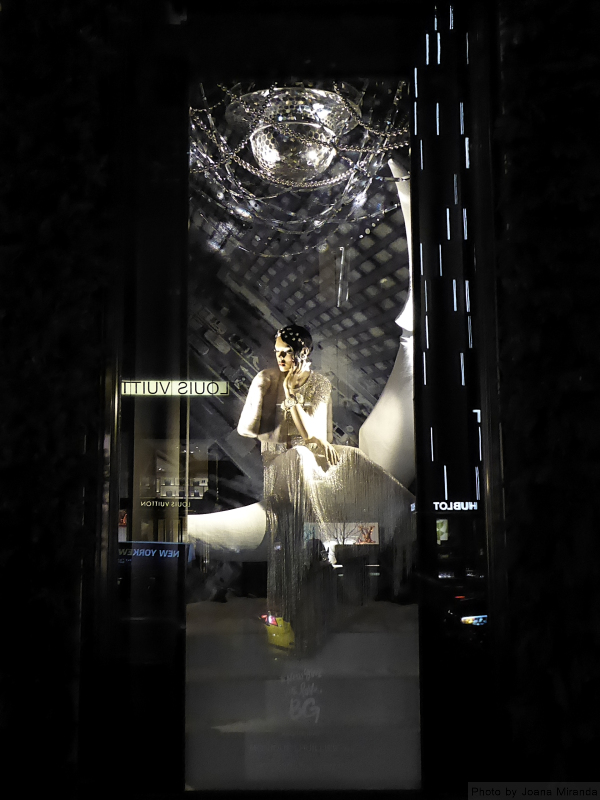 2017 Holiday window display at Bergdorf Goodman, photo by Joana Miranda