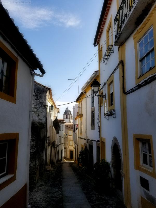 Pretty street in Castelo de Vide.jpg