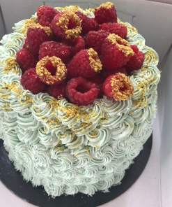 Layer cake vegan pistache framboise