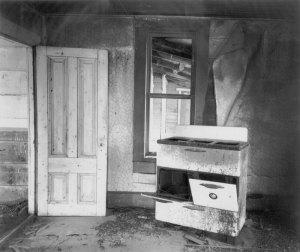 012A04 Door & Stove, Waukon House 1994