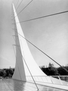 2004023015 Bridge at Redding, CA 2000