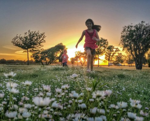 Spelende kinderen - Bewustzijn doet net of het jou is.