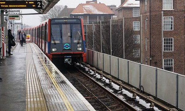 4 days in London taking Public Transportation DLR