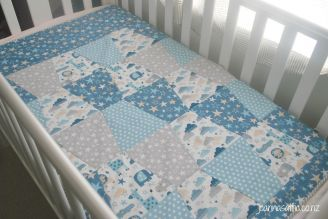 Blue Tumbler Quilt 1