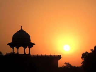 Taj Mahal at Sunrise, India, Image copyright Scott Law, used with permission
