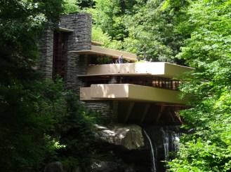 fallingwater_kaufmann_residence_by_frank_lloyd_wright_-_26_june_2012