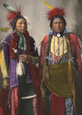 kiowa_indians_with_ermine_skins_and_otter_clothing