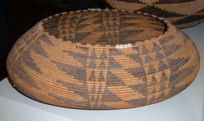 pomo_19th_century_basket_1_cac