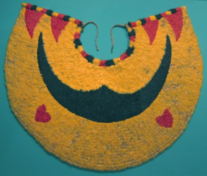 ahu_ula_feather_cape_hawaiian_late_18th-early_19th_century_oo_moho_spp-_iiwi_feathers_vestiaria_coccinea_olona_bark_hma_3306-1