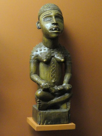 ancester-fertility_figurine_kongo_-_african_objects_in_the_american_museum_of_natural_history_-_dsc05961