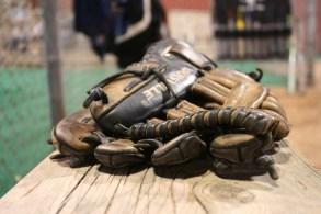 gloves-454561_1920
