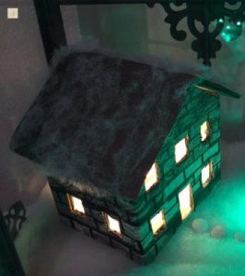 kleines Steinhaus für die DIY Weihnachtslaterne