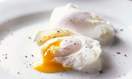 Poached eggs in 7 steps