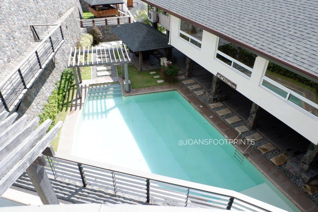 acacia pavillion pool