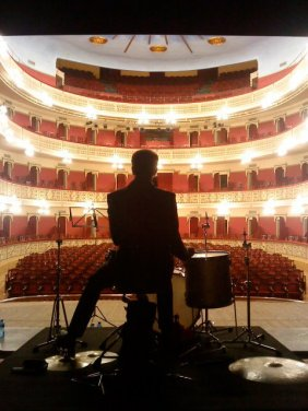 Setting up the drums - Teatre Fortuny, Reus (Catalonia) 02.12.11