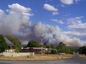 bushfire cloud close
