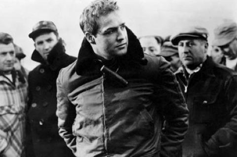 """Marlon Brando em """"Há Lodo no Cais"""""""