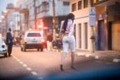 ESPECIAL / COTIDIANO / SAO PAULO, 09.10.2007 / Travesti procura clientes para programas na cracolandia, centro de Sao Paulo. Projetos de revitaliza‹o da cracolandia foram lanados mas a regiao esta cada vez mais degradada.