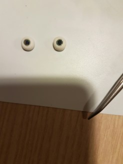 browny_eyes