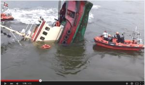 tug boat sinks