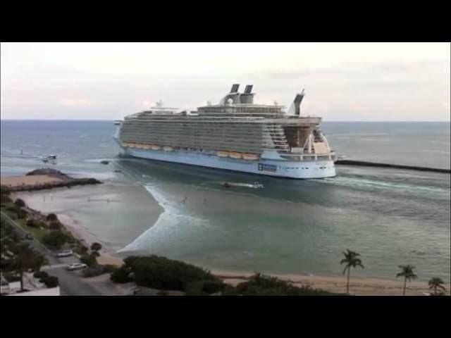 Royal Caribbean's Oasis of the Seas departs