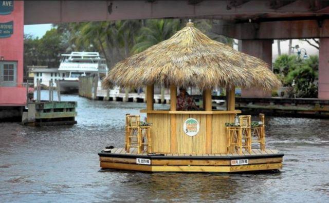 Tiki Bar floating island with motor