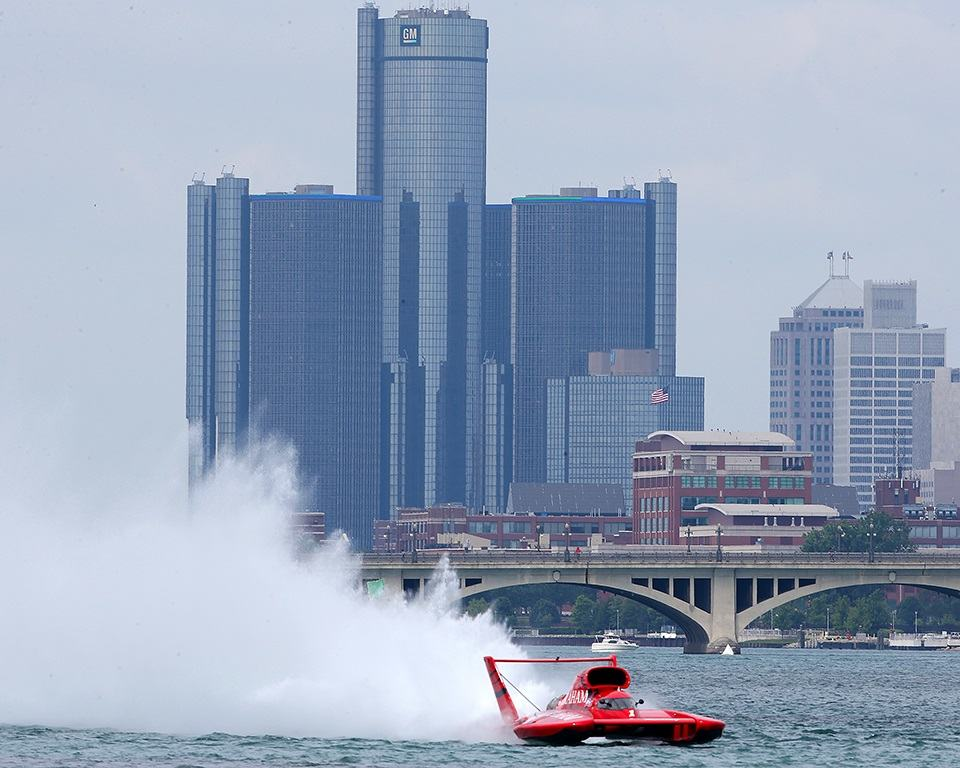 Detroit Hydrofest boat racing on the Detroit River! (August