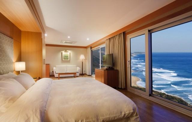 Jr Suite 320,000 won ($275.00 usd) a night