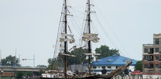 The Roald Amundsen arriving in Bay City, Michigan for the Bay City Tall Ships Festival 2010. Image Joanna Poe