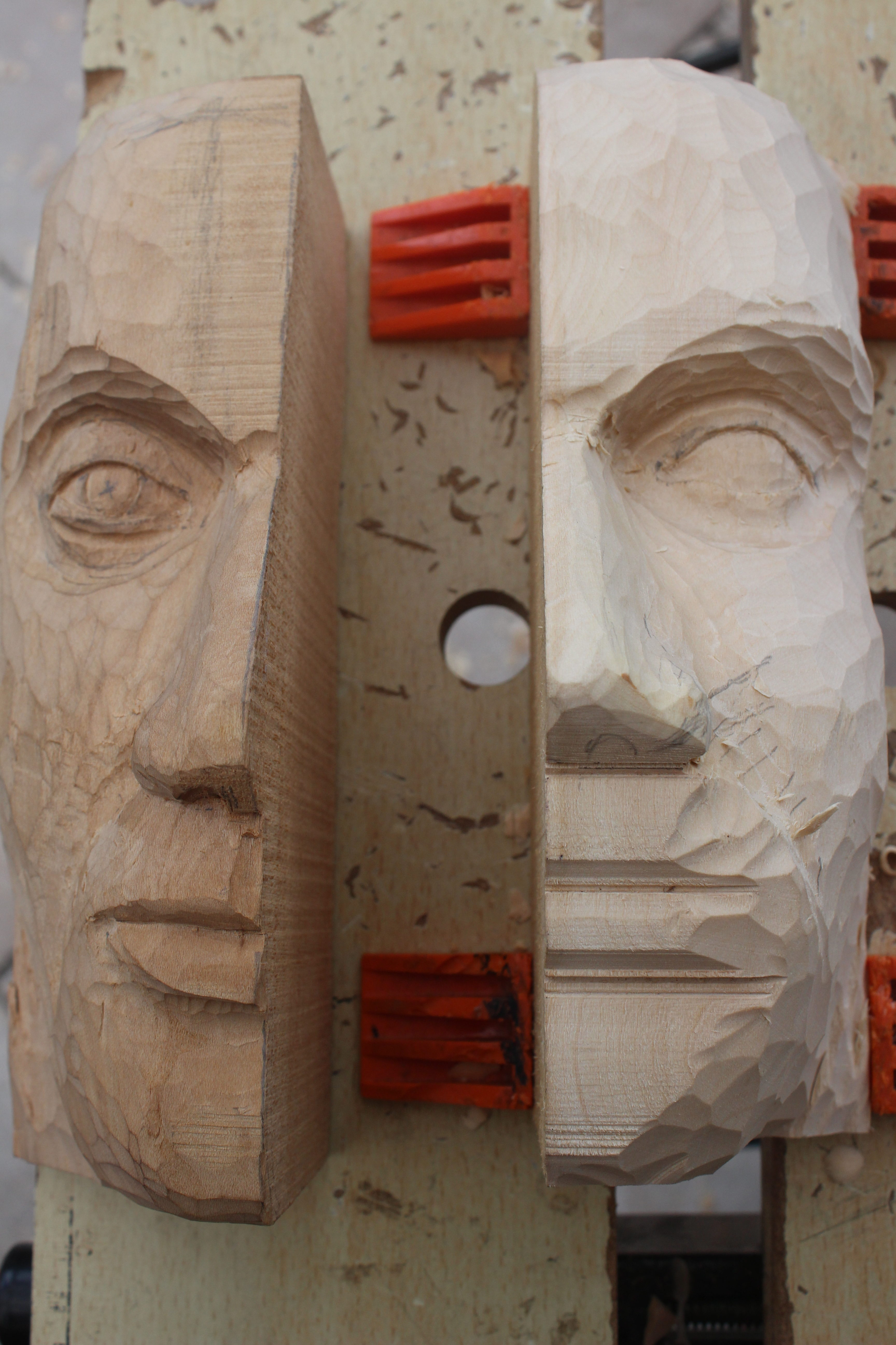 Chainsaw carver from thunder bay ready to cut into online market