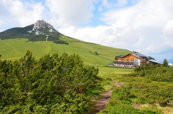 Corno Bianco and the hotel Schwarzhorn