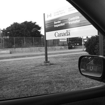 Canadian Border Sign