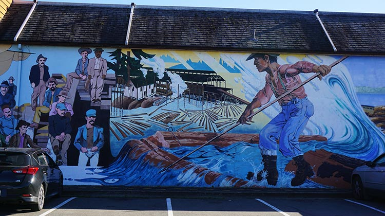 We spent the best part of an entire day viewing the magnificent murals of Chemainus