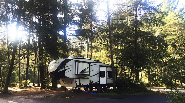 Review of Beverly Beach State Park, near Newport, Oregon. Our Denali Fifth Wheel in its spacious site at Beverly Beach State Park