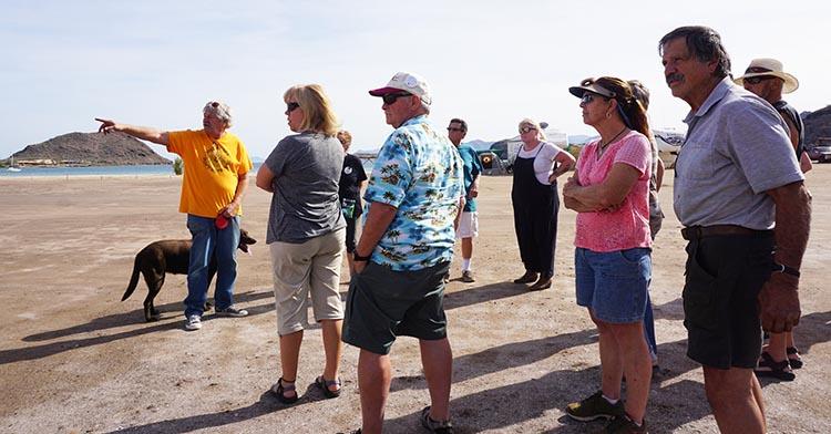 Day 5 of our RV Trip with Baja Winters: San Ignacio to Santispac Beach, Bahía de Concepción, Baja California Sur, Mexico. Tail gunner Jerry telling us about Santispac Beach