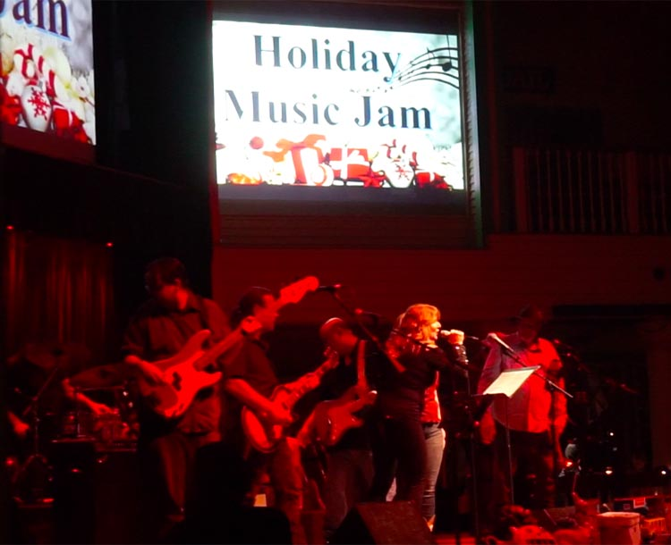 RV Camping in California. We enjoyed the Holiday Music Jam at Buck Owen's Crystal Palace in Bakersfield