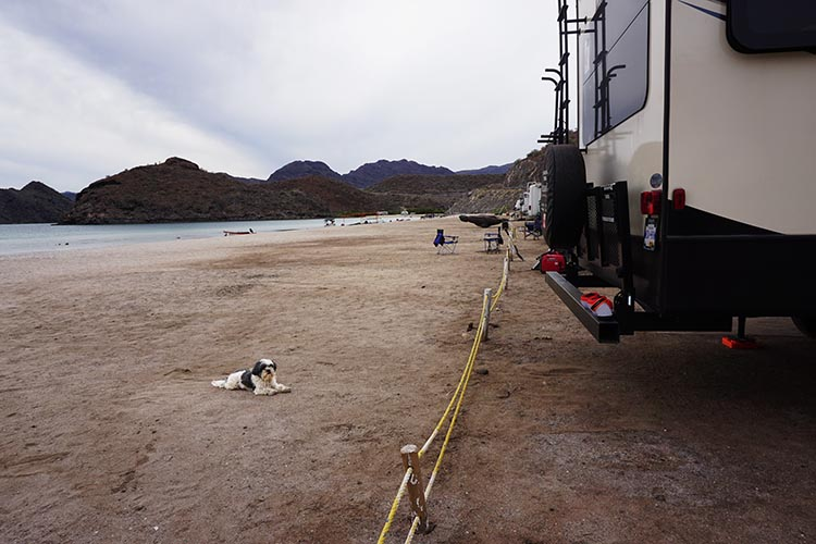 Dry RV Camping on Santispac Beach, Bahia Concepcion, Baja California Sur, Mexico. The rope shows you how close you can get to Santispac Beach