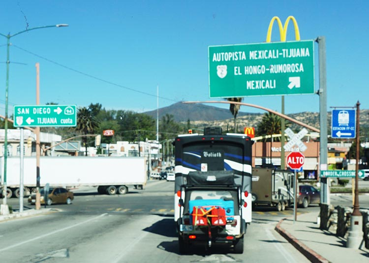 There is an important right turn just before the McDonald's in Tecate