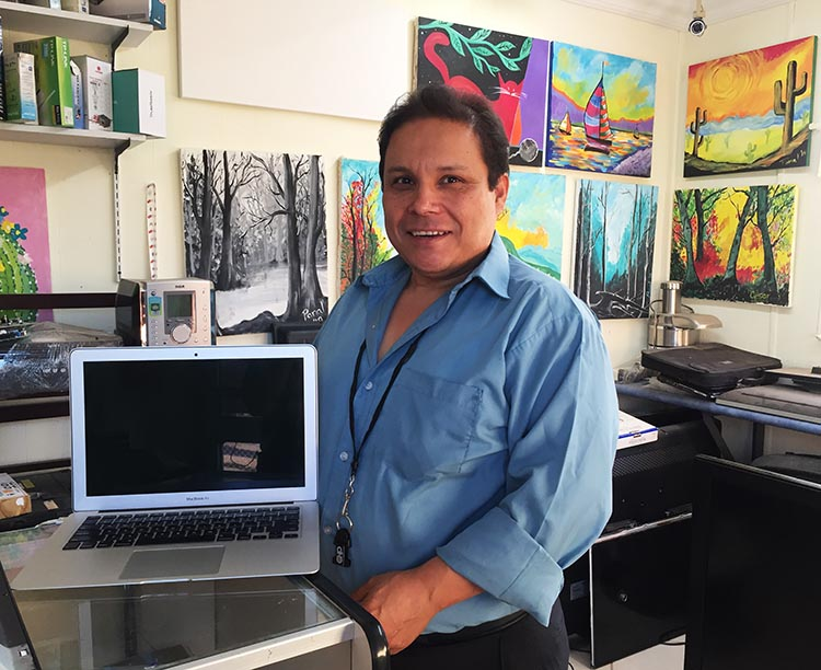 Cesar Rodriguez, the computer genius who runs El Panal