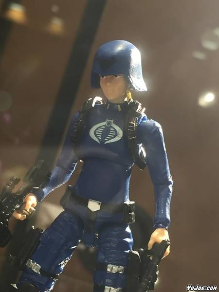 08-gijoecon-2016-cobra-officer