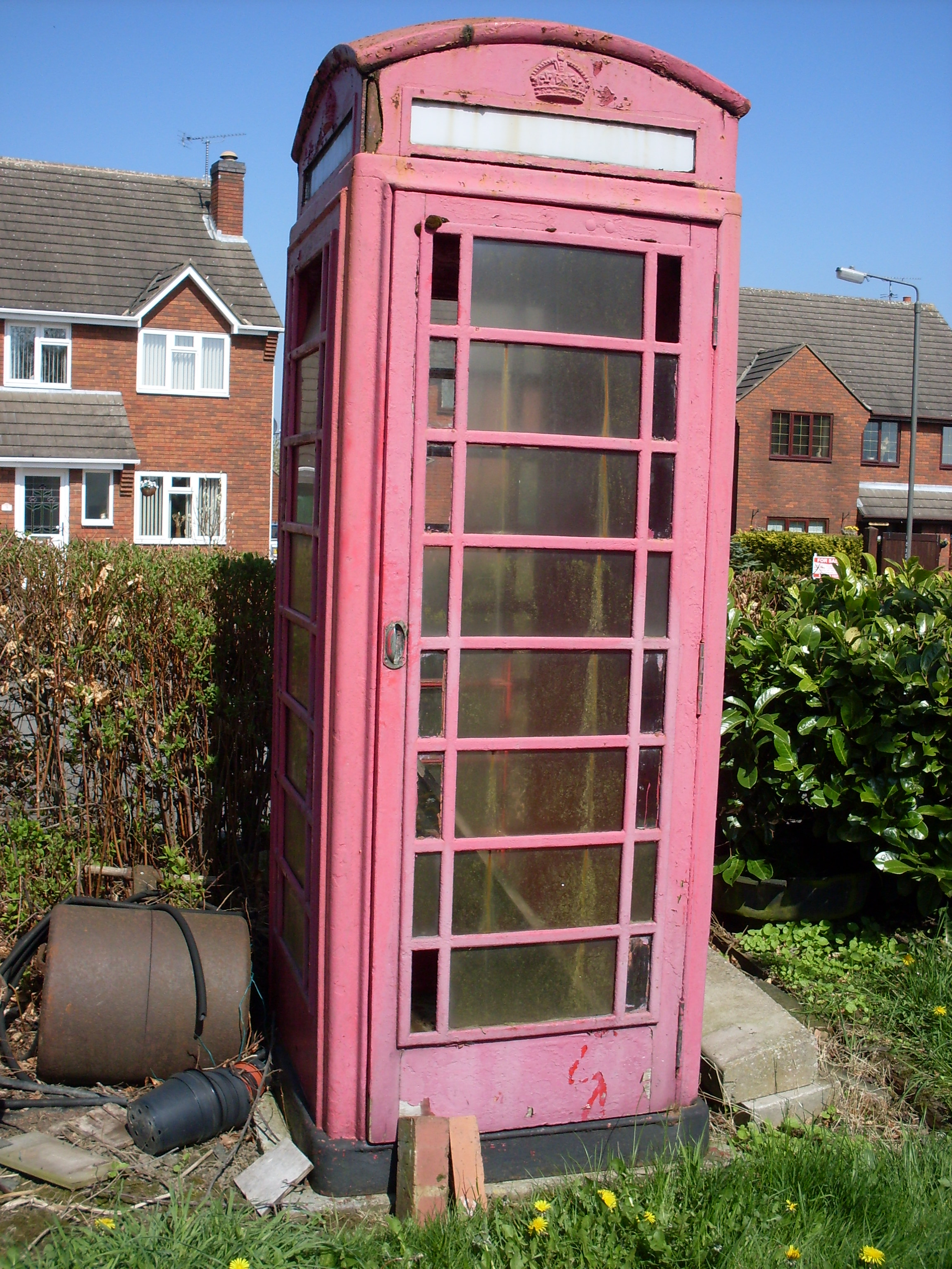 The phone box stood for 25 years in a Derbyshire garden