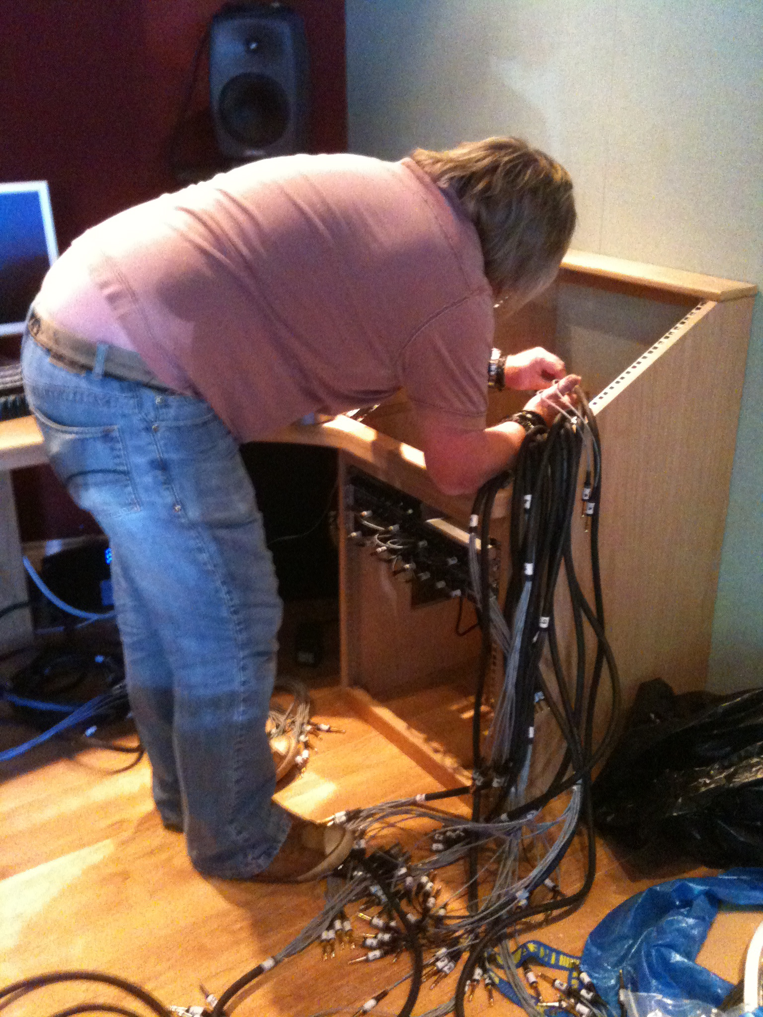 The looms go into the top patchbay.