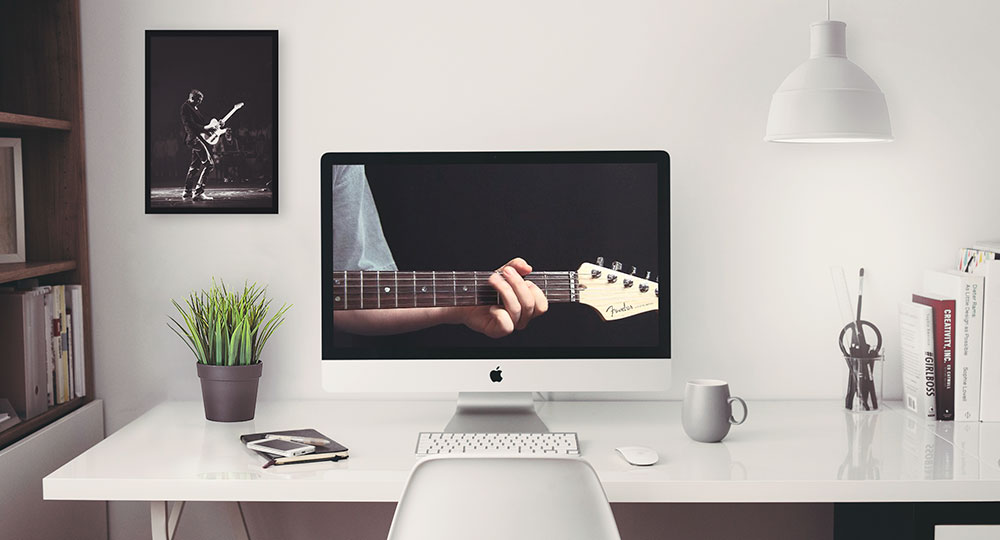 Webcam guitar lessons with Joe Deloro