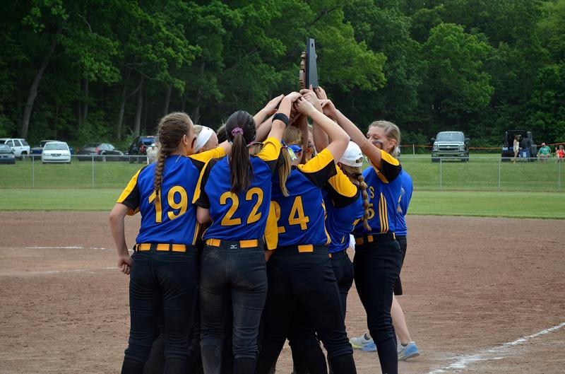 Video: Centreville softball team takes it to Marcellus for first district title since 2011